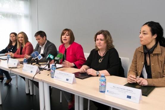 Susana López Abella na sinatura do acordo. Foto: X. Crespo