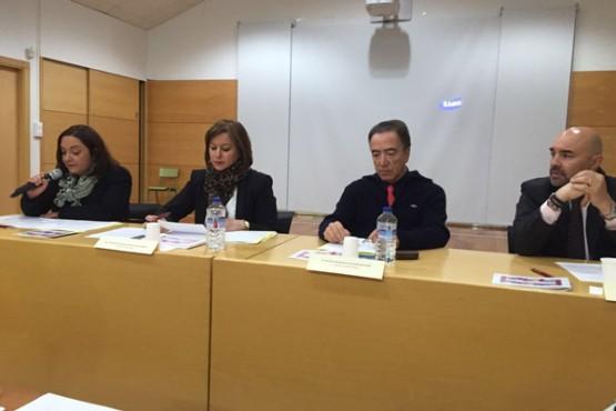 Susana López Abella na constitución da mesa local de coordinación en Coirós