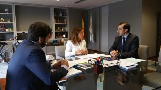 Reunión da conselleira de Medio Ambiente e o alcalde de Cospeito