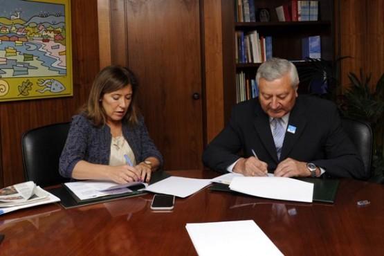 Beatriz Mato na reunión co alcalde de Trazo