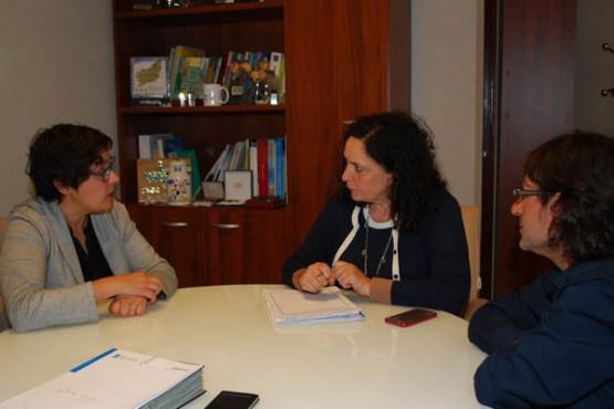 Belén do Campo na reunión con representantes do Consello Regulador do Ribeiro