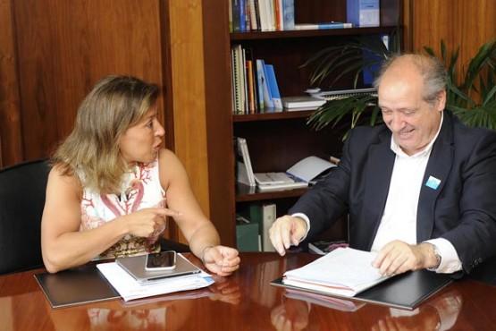 Beatriz Mato na reunión co alcalde de Cerceda. Foto: M. Fuentes