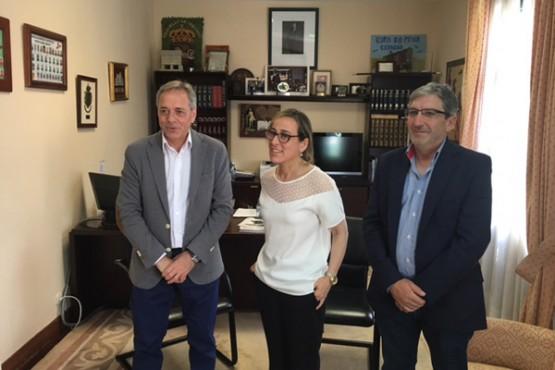 Ethel Vázquez na visita ao Concello de Cerdedo