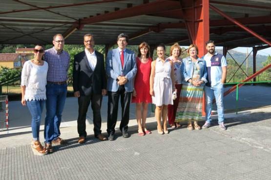 López-Chaves na visita ao CEIP Fontes Baíña de Baiona