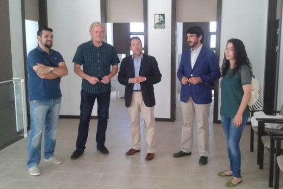 Perfecto Rodríguez na visita ao centro na Pobra do Caramiñal