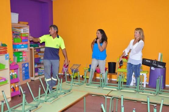 Visita da alcaldesa de Salceda ás instalacións educativas