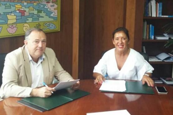 Beatriz Mato na reunión co alcalde da Laracha