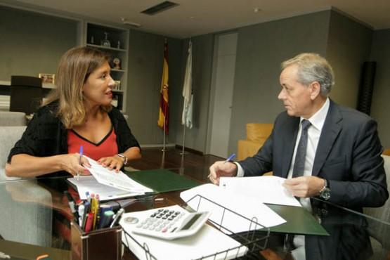 Beatriz Mato na reunión co alcalde de Cerdedo