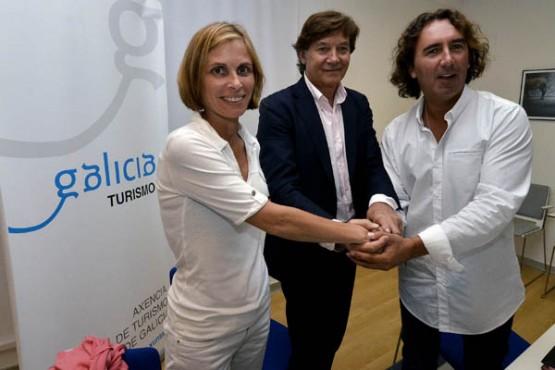 Nava Castro e Lete Lasa na reunión co Club Praia Pantín