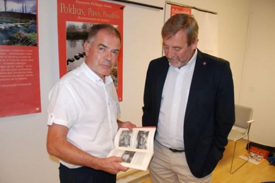 Rafael Sánchez Bargiela na presentación do libro
