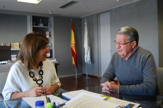 Beatriz Mato na reunión co alcalde de San Cristovo de Cea