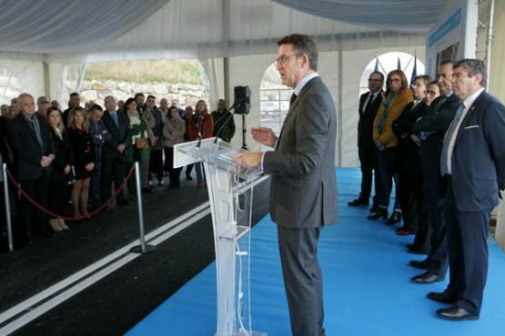 Feijóo na inauguración do acceso ao porto do Burela. Foto: C. Paz