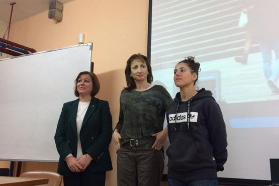 Susana López Abella nunha das charlas divulgativas de Vero Boquete