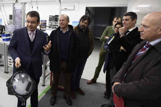 Ángel Bernardo Tahoces na visita a Marine Instruments