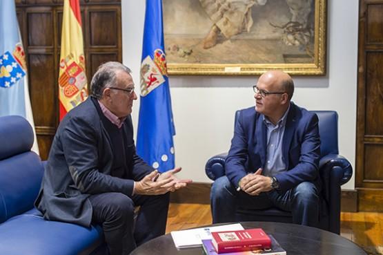 Manuel Baltar na reunión co alcalde do Barco de Valdeorras