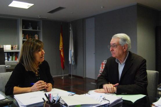 Beatriz Mato na reunión co alcalde de Valga