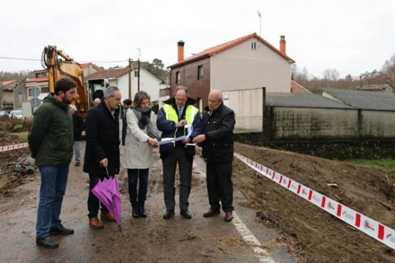 Cores Tourís na visita ás obras en Forcarei