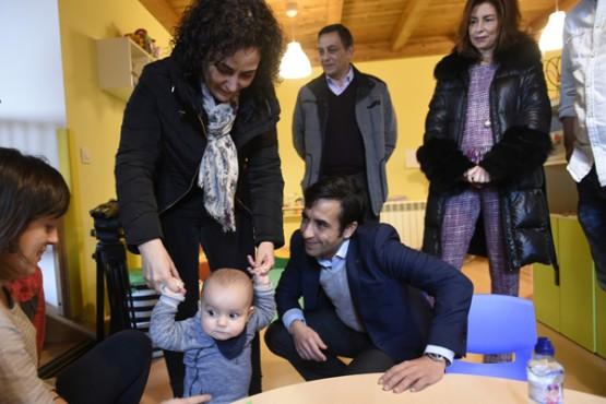 """Rey Varela na visita á casa niño """"O Bicarelo"""""""
