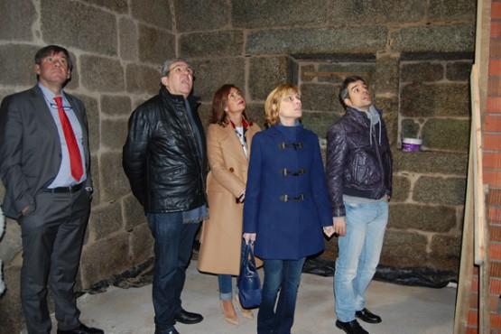 Nava Castro na visita ás obras que se realizan no Mosteiro de San Clodio