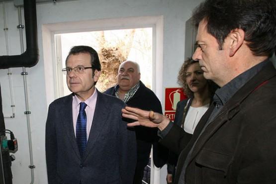 Ángel Bernardo Tahoces na visita ao parque industrial do Peago