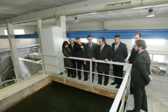 O presidente da Xunta na visita á Edar de Malpica