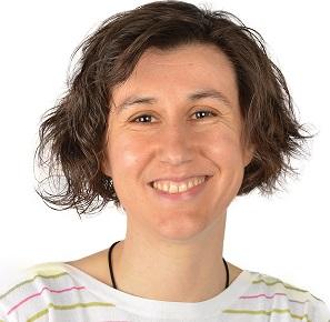 """Eliana Bouzas Collazo presenta en Valga  o seu primeiro libro  """"Travesía Cebola. Diario dunha aprendizaxe"""""""