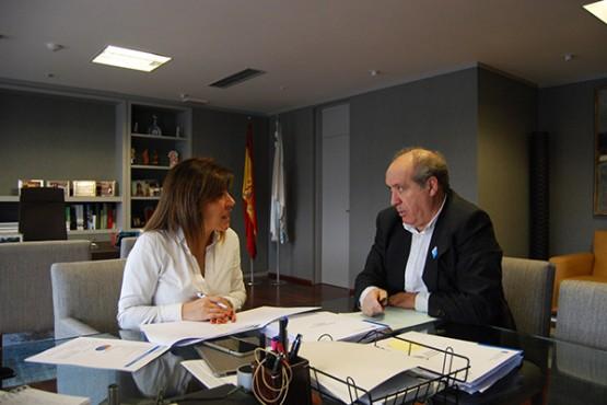 Beatriz Mato na reunión co alcalde de Cerceda