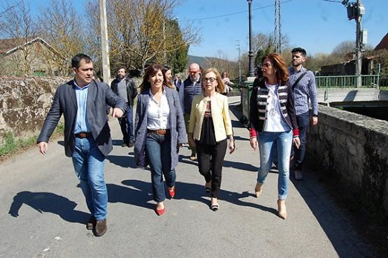 Beatriz Mato na visita ás obras en Monterrei