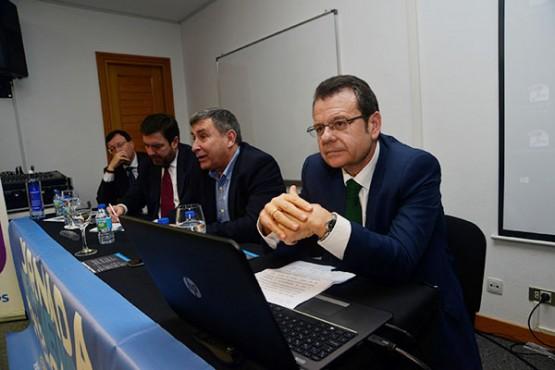 Ángel Bernardo Tahoces na xornada sobre eficiencia enerxética en Ribeira