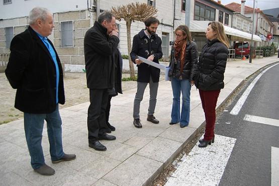 Ethel Vázquez na visita a Beariz