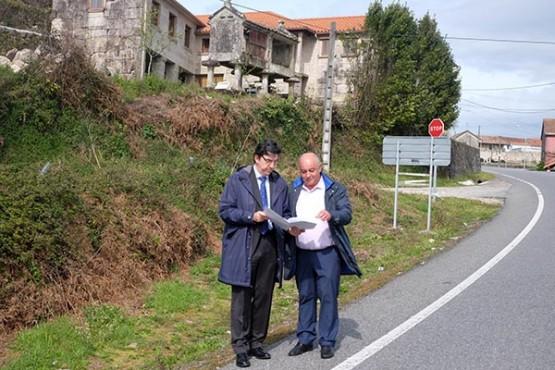 López-Chaves na visita a Pozos de Borbén