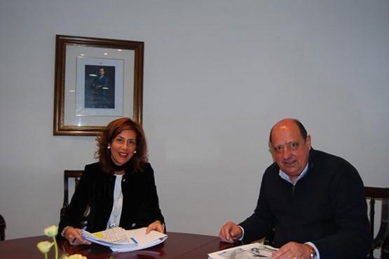 Marisol Díaz Mouteira na reunión co alcalde de Padrenda