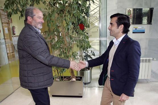 José Manuel Rey Varela na reunión co alcalde das Somozas