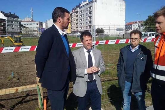 Perfecto Rodríguez xunto ao alcalde da Estrada na visita ás obras