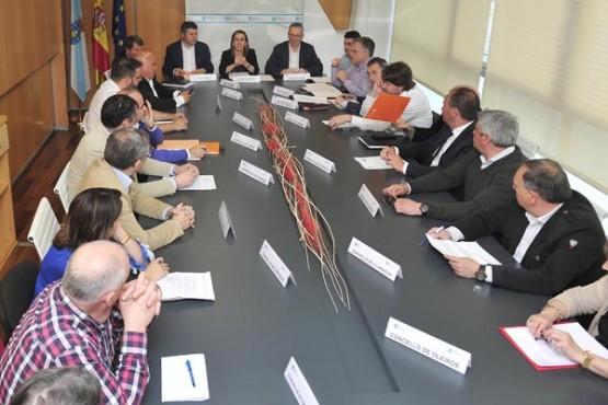 Ethel Vázquez na reunión mantida hoxe na Coruña. Foto: M. Fuentes