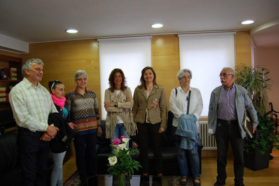 Marisol Díaz na xuntanza cunha representación dos veciños de Xinzo