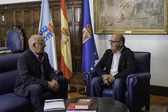 Manuel Baltar na reunión co alcalde de Cartelle