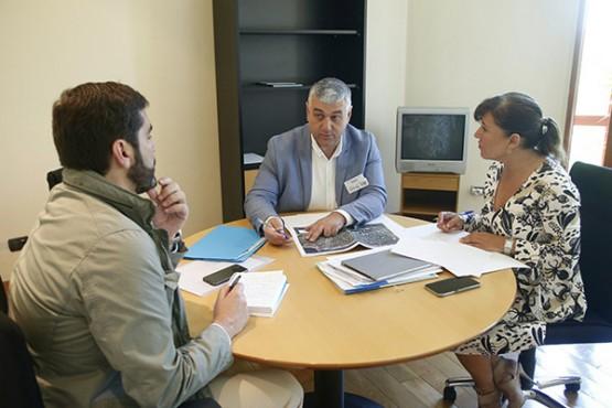 Beatriz Mato na reunión co alcalde de Barreiros