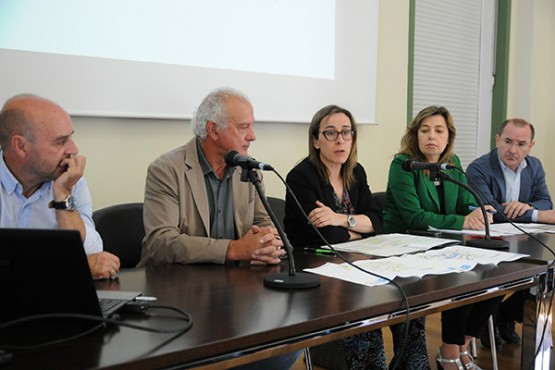 Ethel Vázquez no encontro con representantes de Adercou