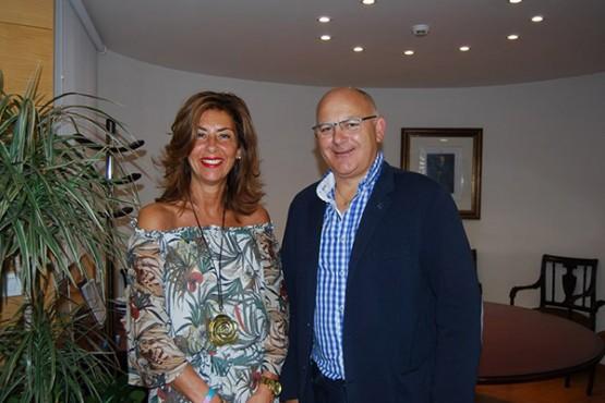 Marisol Díaz na reunión co alcalde de Cartelle