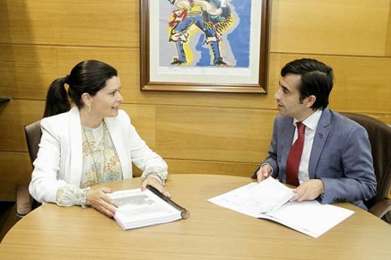 José Manuel Rey Varela na reunión coa alcaldesa de Mos