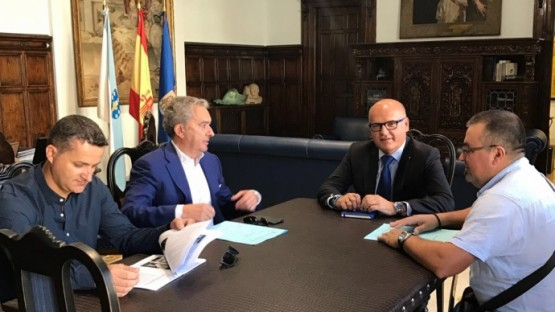 Manuel Baltar na reunión para avaliar os danos pola sarabia