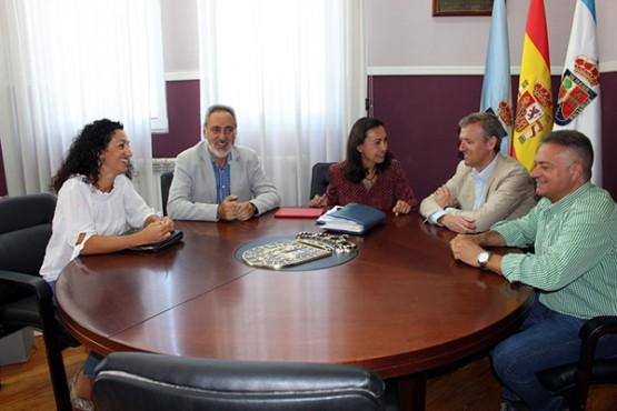 Alfonso Rueda na reunión coa alcaldesa de Marín
