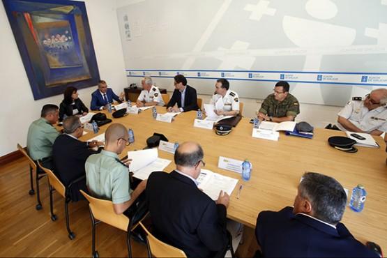 Ángeles Vázquez na reunión do Comité de Coordinación Policial anti-incendios