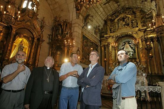 O presidente da Xunta na visita ao santuario das Ermidas