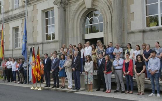 Feijóo traslada a solidariedade dos galegos ás vítimas e familiares dos atentados perpetrados en Cataluña