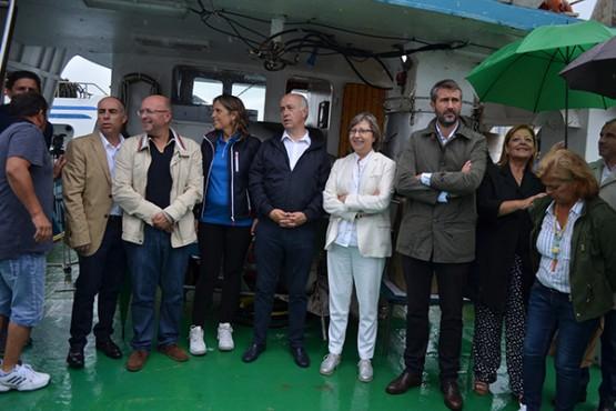 Os participantes na Triple Coroa Illas Atlánticas percorrerán a nado o traxecto da Illa de Sálvora a Vilagarcía