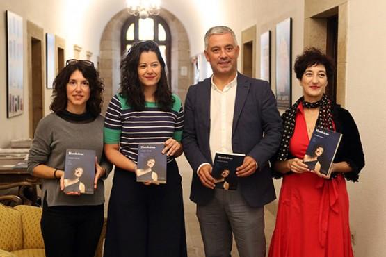 'Herdeiras. Muller, identidade e memoria' preséntase no Teatro Principal de Santiago este sábado