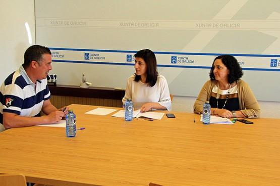 Ángeles Vázquez na reunión co alcalde de Cedeira