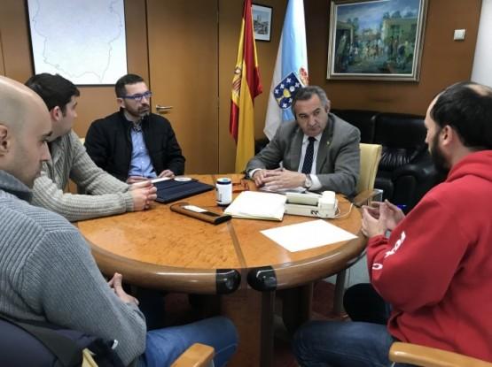 Balseiro no encontro cos representantes do cadro de persoal dos bombeiros de Lugo